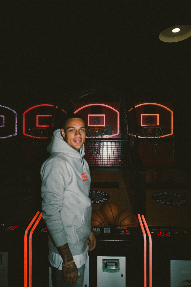 Gregory van der Wiel - Basketball